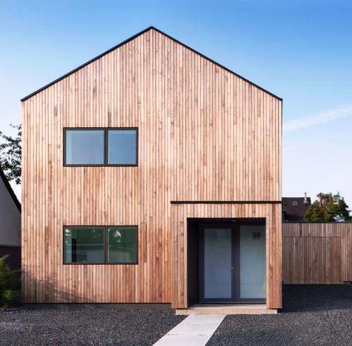 Holzhaus Eingang