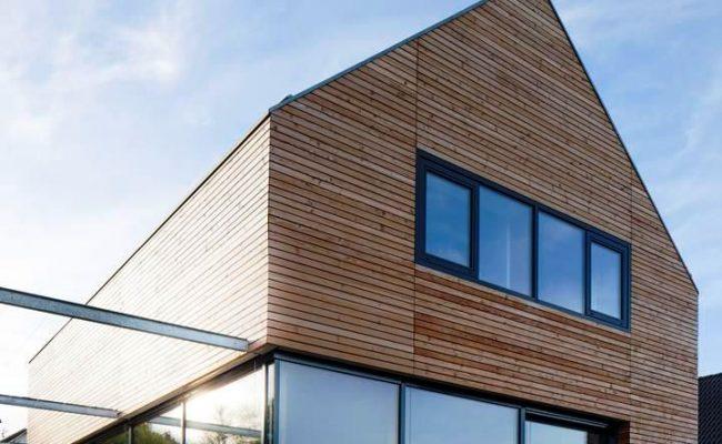 Holzhaus mit Terrasse
