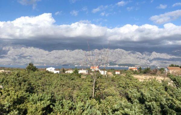 Kroatien wunderschönes Grundstück mit Altbestand in Razanac
