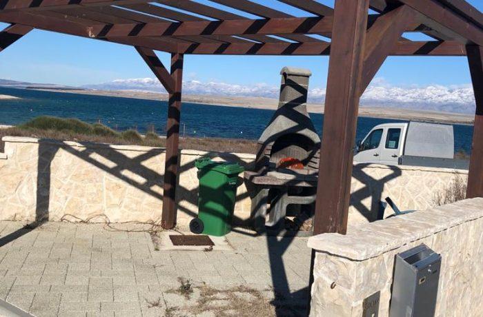 Kroatien hier können Sie Ferien machen ! Tolle Wohnung nur 20 Meter zum Meer!